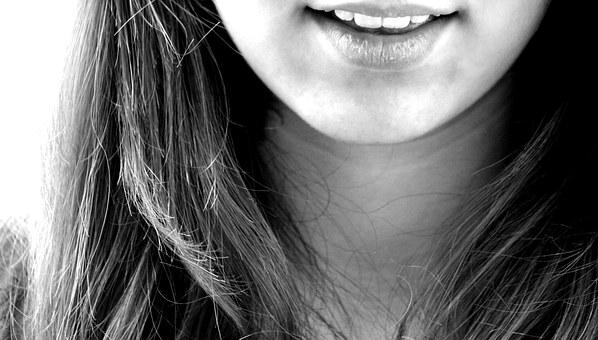 女性ホルモン、更年期、自律神経、交感神経、副交感神経、モヤモヤ、表情筋、練習方法、