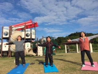 沖縄、声ヨーガ、早起き、南城市、大里城址公園、パークゴルフ場広場、あべたみこ、ボイストレーニング
